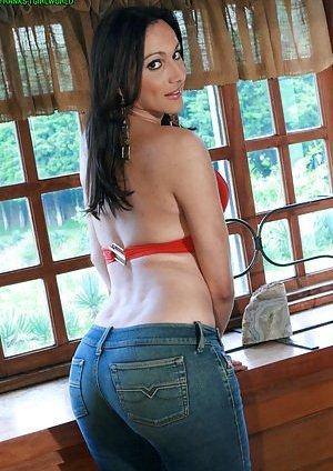 Tranny in Jeans Pics