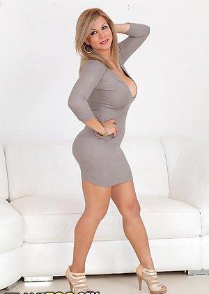 Tranny in Skirt Pics